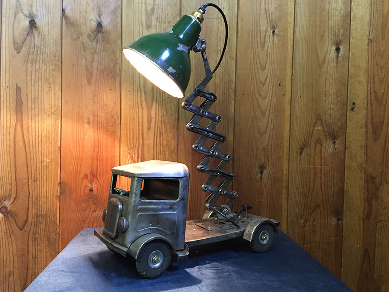 Industrial steel lorry lamp